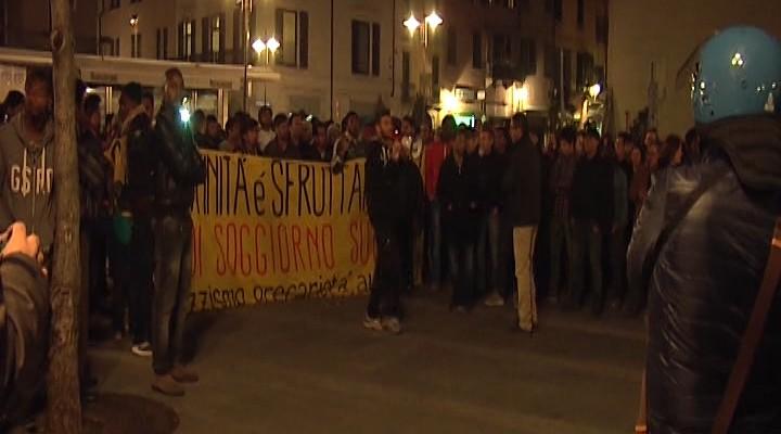 Brescia ancora proteste degli immigrati telecolor for Comune di brescia sportello immigrati nuovo elenco
